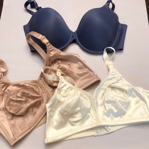 Bundle of 3 new without tags Bali/Warner bras